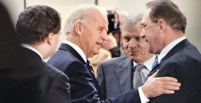"""[Komentar] Joe Biden mi je rekel: """"V primeru ponovnega rojstva bi se želel roditi v Sloveniji."""""""