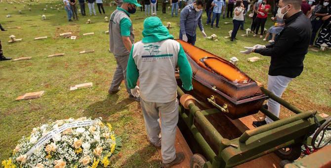 [Razkrivamo] Smrtonosni brazilski sev: Zakaj je 3. val tako nevaren in drugačen od prejšnji dveh?