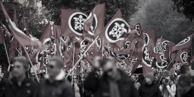 [Komentar] O fašizmu XXI. stoletja ali zakaj je strašenje s fašizmom Mussolinijeve Italije včasih deplasirano