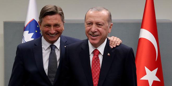 [Komentar] Intelektualne zlate ribice: Ne zaradi Pahorja, ampak zaradi Erdogana Turčija ne more računati na članstvo v EU